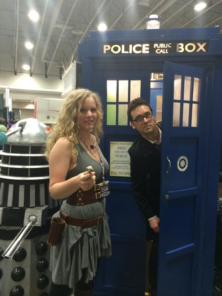 river song and 10th doctor with tardis
